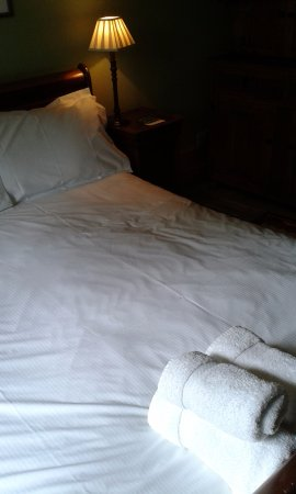 Ponden Hall Bed Breakfast King Size In The Giddings Room