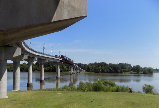 Riverfront Park: View of the I-430 bridge that crosses the Arkansas River.