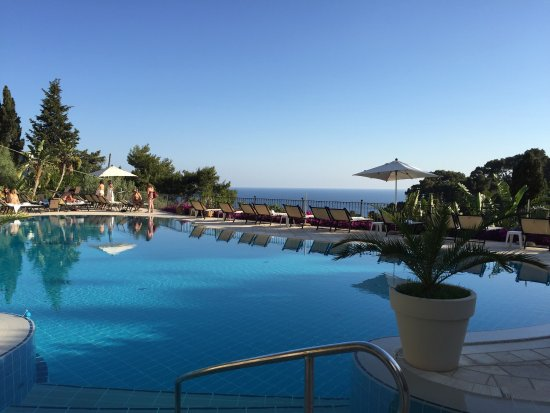Hotel La Vega: Splendida vista sia dalla camera che dalla Piscina