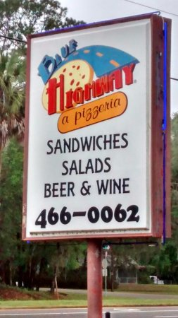 Micanopy, Флорида: Blue Highway and more than a pizzeria...