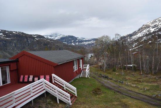 Vatnahalsen Hoyfjellshotell: View from the back of the hotel