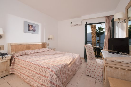 BUFFET - Picture of Gouves Park Holiday Resort, Crete - Tripadvisor