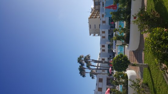 Las Brisas Apartments: Lovely spotless appartemts. Facilities both great we didn't have a kettle only microwave toaster