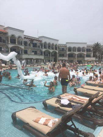 Pool party - Picture of Hilton Playa del Carmen, an All