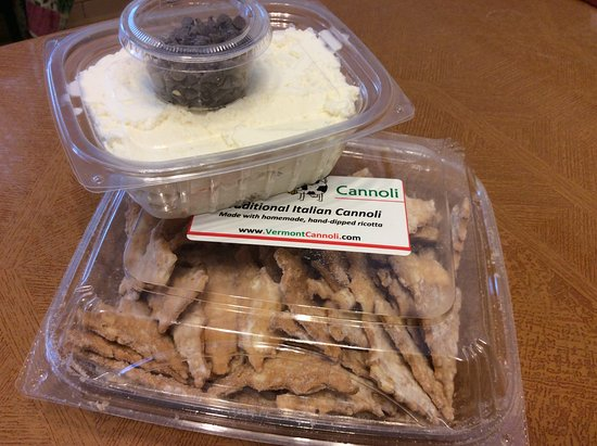 Chester, VT: Cannoli Chips & Cream