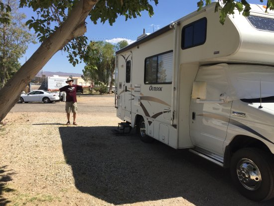 Daggett, Califórnia: Level RV sites