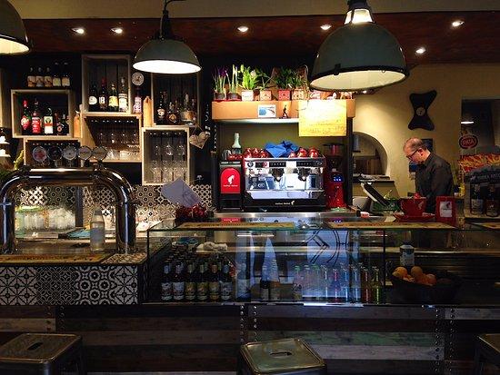 Mortegliano, Italia: Interno della pizzeria La Blave Food