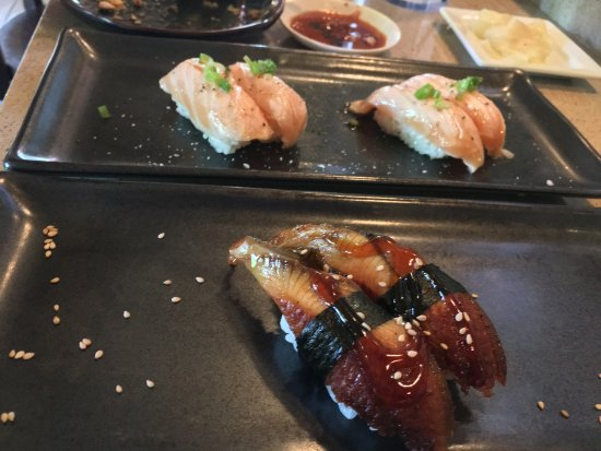 Elk Grove, Californien: Lunch at the sushi bar