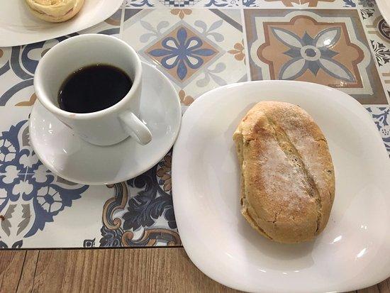 Barra Longa, MG: Pão e café