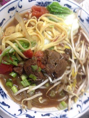 Brooksville, FL: Beef Noodle Soup