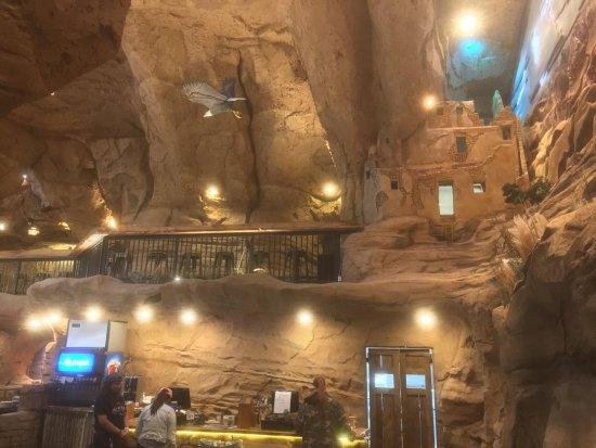 Williams, AZ: restaurant with pueblo decor