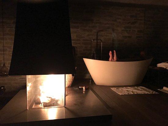Kamin im zimmer bild von designhotel wiesergut saalbach for Designhotel wiesergut