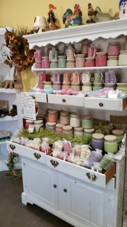Strawberry Point, IA: Soy Candles