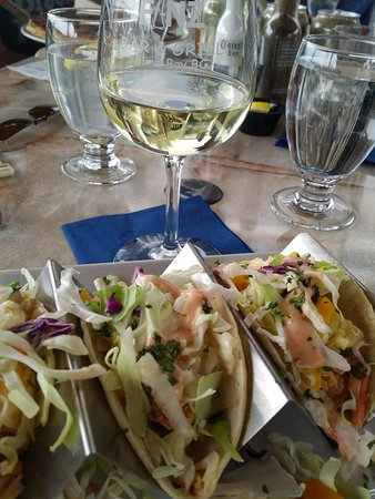 Blind Bay, Canada: Yummy shrimp tacos...