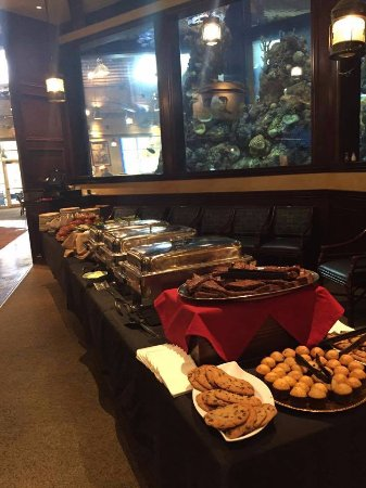 Independence, MO: Luncheon Buffet