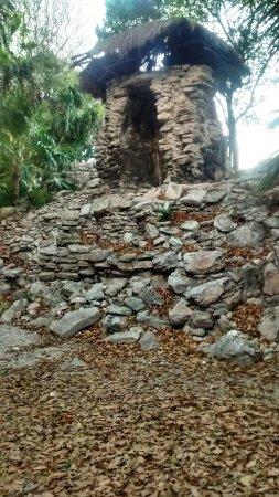 Piste Cyclable sur Paseo Xaman-Ha : Ruinas arqueológicas