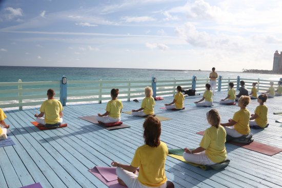 Sivananda Ashram Yoga Retreat: YTTC on beach platform