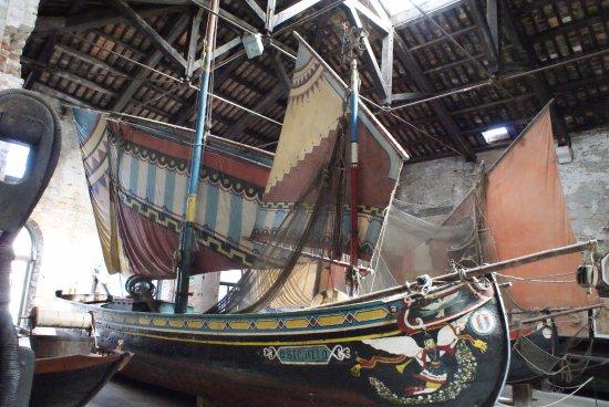 Naval History Museum Venice: Bragozzo, barca da pesca.