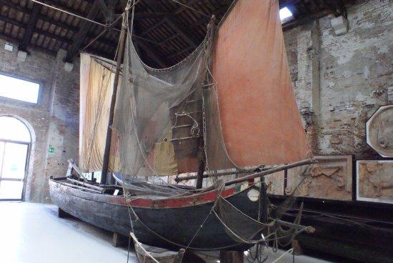 Naval History Museum Venice: Bragagna, barca da pesca