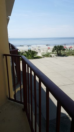 Gazebo Inn Ocean Front: Snapchat-1455502844_large.jpg