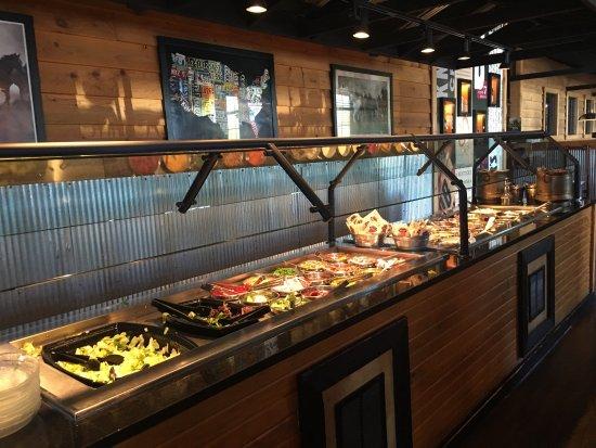 Shelbyville, KY: Great salad bar.