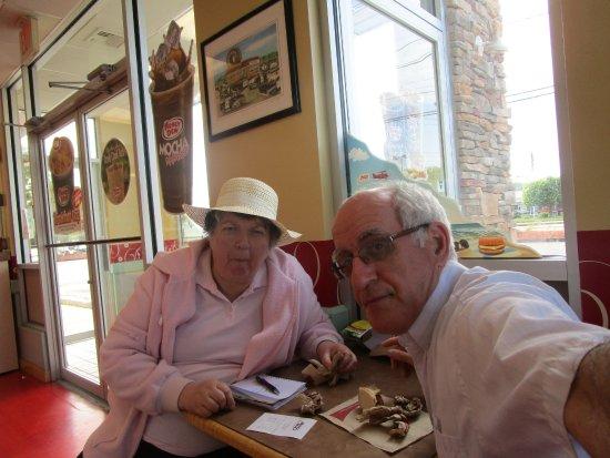 North Attleboro, MA: Louis and I at Honey Dew Donuts.