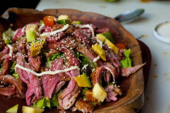 Nuevo Arenal, Kostaryka: Seared Tuna Salad for the whole family.