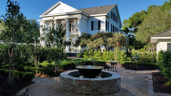 Arlington Plantation House Ca 1830 Present Rear Entrance And Courtyard Picture Of Arlington