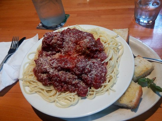 Belltown Pizza: great dish of spagetti and meatballs generous helping