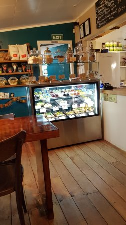 Creel Tackle House & Cafe: inside cake counter