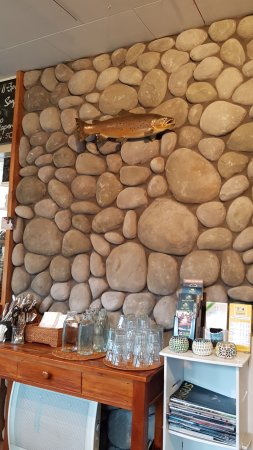 Creel Tackle House & Cafe: decorative wall