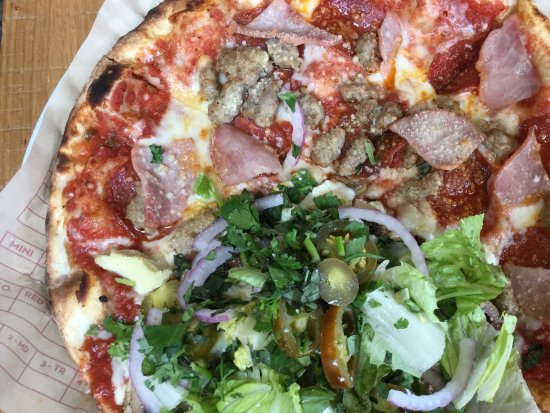 Oro Valley, AZ: 3/4 meat and one veggie Slice!