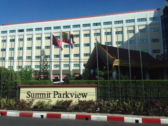 Summit Parkview Hotel Photo