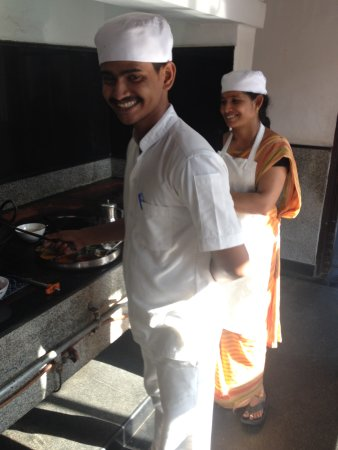 Visalam: Complementary cooking lesson in the art of Chettinad cooking