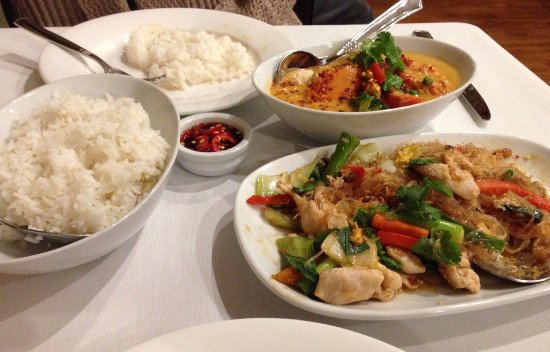 Subiaco, Australia: Red Curry Chicken and noodles