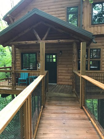 Pine Cove Lodging: photo2.jpg