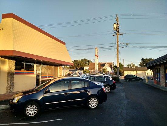 San Leandro, CA: Parking lot