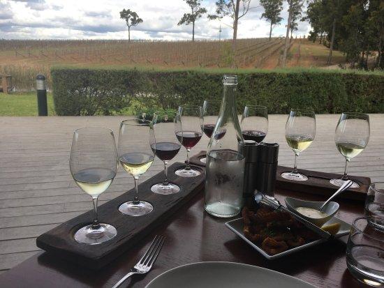 RidgeView Restaurant,Wines & Cottages: photo0.jpg