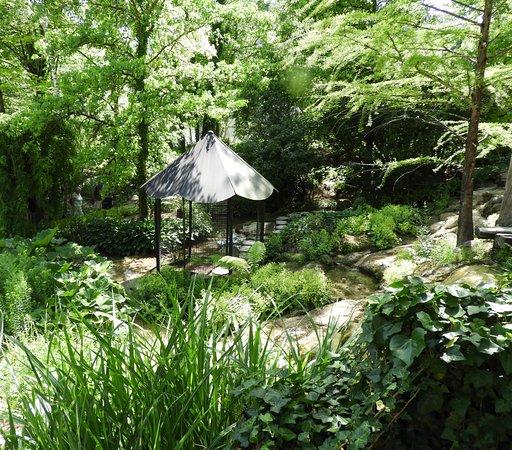 Jardin photo de jardin des fontaines petrifiantes la for Jardin isere