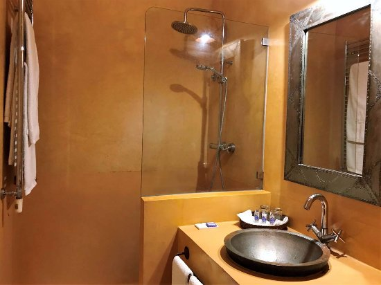 Herdade do Sobroso: Yellow Room bathroom