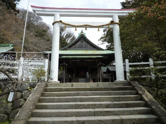 Shrine of Kamakuragu: 鎌倉宮-鳥居と拝殿