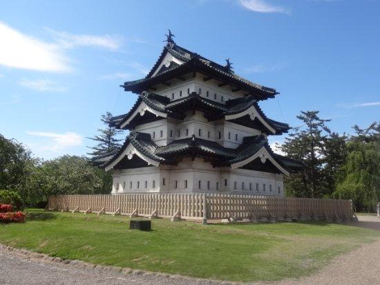 Hirosaki Castle: 城の外観