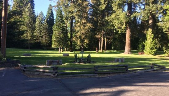 Prospect, OR: Grounds next to motel