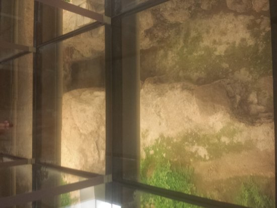 Centro Cultural Banos Arabes: 20170602_215606_large.jpg