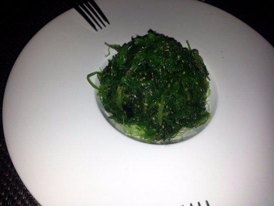 Algonquin, IL: seaweed salad