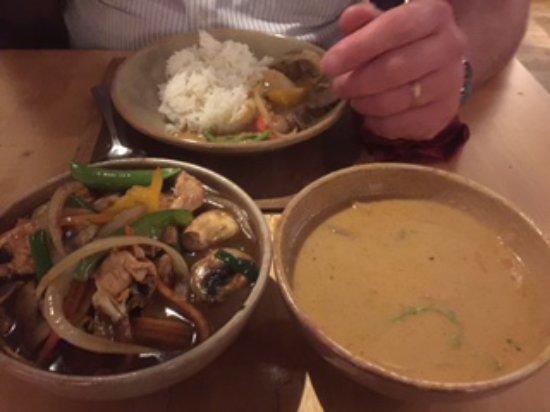 The Three Tuns: Creamy/Coconut/Lemongrass-beef & Chicken/Cashew stir fry