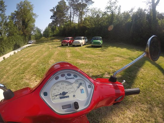 500 Touring Club: Fiat 500 and Vespa tours