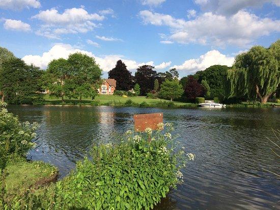 Streatley, UK : photo2.jpg