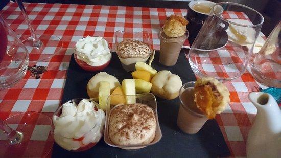 Ennery, France : dessert de cette dernière.