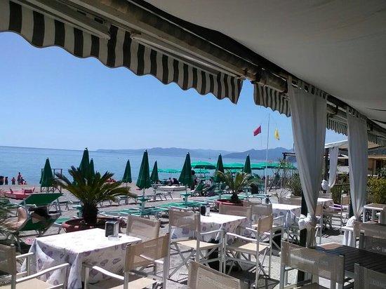 Varigotti, Italia: Bagni Conchiglia D'oro
